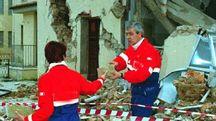 Un'immagine del terremoto che colpì Marche e Umbria nel 1997