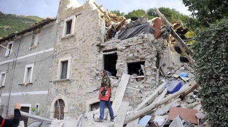 Terremoto, le macerie di Arquata, nell'ascolano (Foto Ansa)