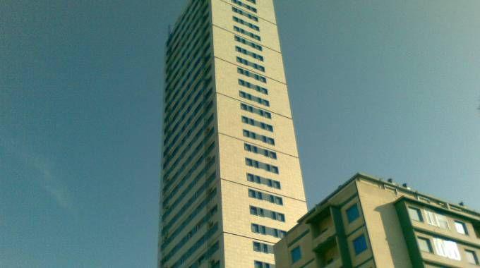 Il grattacielo di Cesenatico (foto Mascellani)