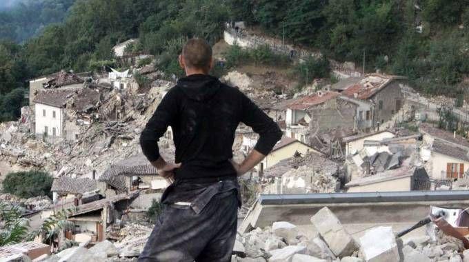 Terremoto a Pescara del Tronto (foto LaBolognese)