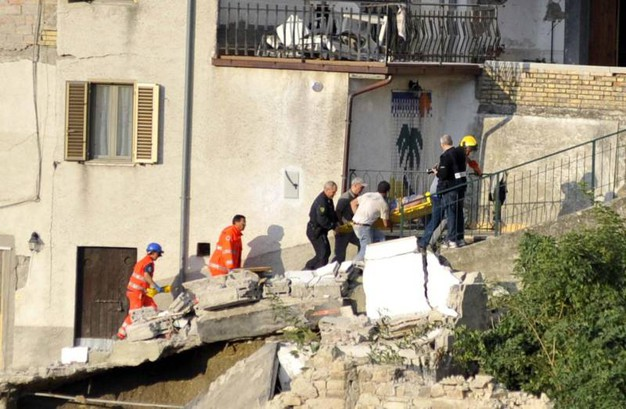 Terremoto in provincia di Ascoli: macerie ad Arquata del Tronto (Foto Ansa)