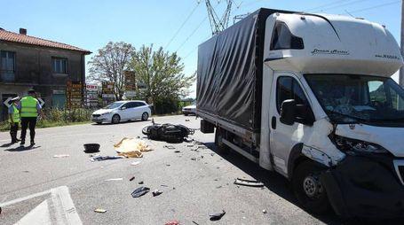 L'incidente sulla Faentina a Fornace Zarattini (foto Zani)