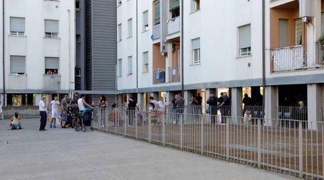 A Cinisello le forze dell'ordine hanno preso d'assedio in quartiere di Sant'Eusebio