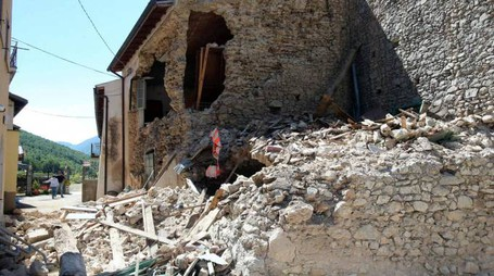Terremoto, danni a Norcia