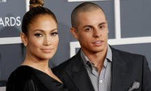 Jennifer Lopez e Casper Smart sul red carpet dei Grammy Awards 2013 - Foto: LaPresse