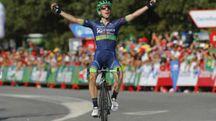 Secondo successo stagionale per Simon Yates (Gómez Sport)
