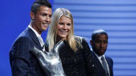 Ronaldo premiato come best player dalla Uefa (Ansa)