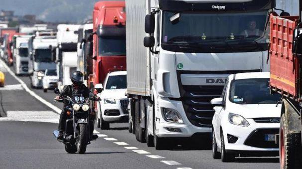 Traffico in autostrada, foto generica (Ansa)