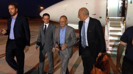 Ignazio Scaravilli al suo arrivo a Roma dopo il sequestro in Libia (Ansa)