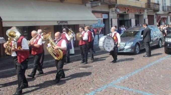 La banda musicale arrivata da Noceto in provincia di Parma Spesso suona durante i funerali
