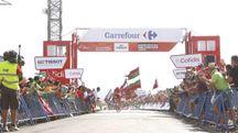 L'arrivo in solitaria di Sergej Lagutin a La Camperona (La Vuelta)