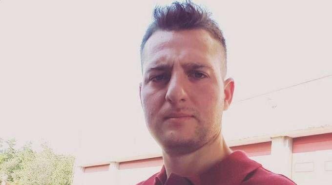 Terremoto, il vigile del fuoco Andrea De Filippo: suo il biglietto sulla bara di Giulia