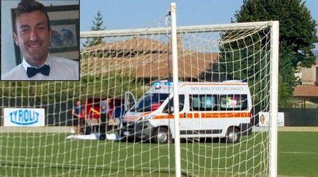 Riccardo Pizzi, 30 anni, operaio umbro, calciatore per passione. E l'ambulanza in campo