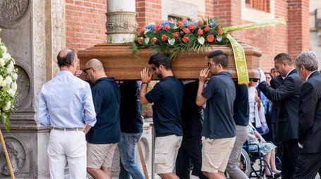 Il funerale di Silvio Anzola, il sub milanese morto a Palinuro