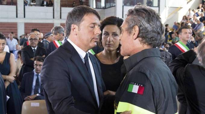 IL PRECEDENTE Matteo Renzi nelle zone terremotate