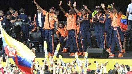 Colombia, applausi dei tifosi al ritorno in patria (Afp)