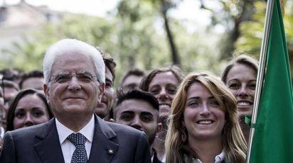 Martina Caironi, la portabandiera, con il presidente della Repubblica Mattarella (Ansa)