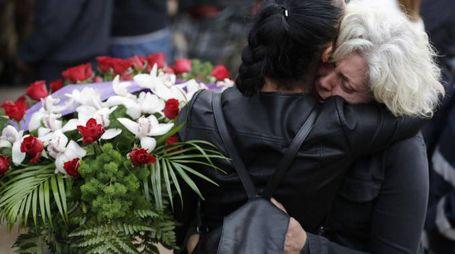 Amatrice, lo strazio dei parenti al funerale (Ansa)