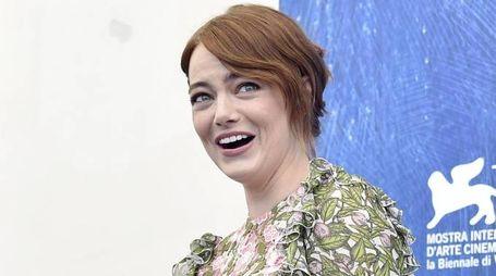 Emma Stone al photocall di La La Land (ansa)