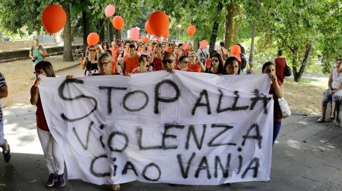 La manifestazione dopo l'omicidio di Vania (foto Alcide)