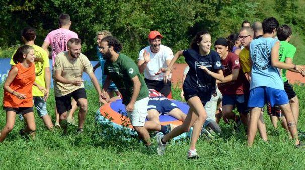 Campionato di nascondino a Consonno (Cardini)