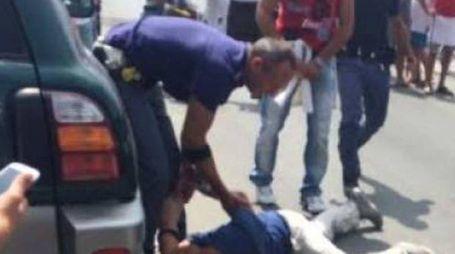 L'arresto di Angelo Riviera al termine di un inseguimento da film in Passeggiata a Lido. Rischiò il linciaggio
