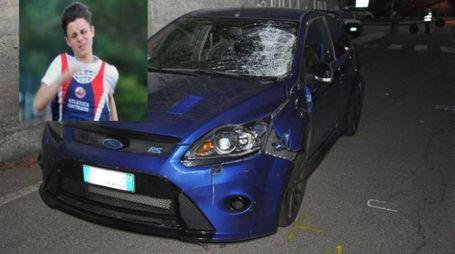 Lorenzo Mazzini e l'auto dopo l'incidente
