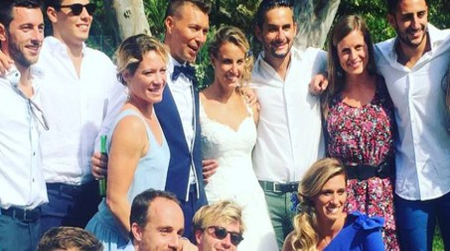 Una foto postata sui social del matrimonio blindatissimo di Tania Cagnotto