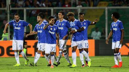 La Juve esulta dopo la vittoria (LaPresse)