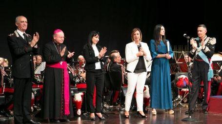 LA FESTA  Le autorità sul palco del Lyrick di Assisi