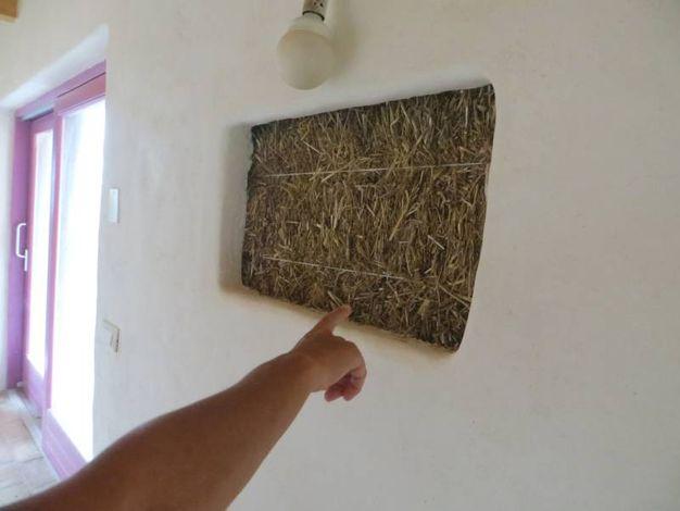 La casa di paglia che non vola con un soffio cronaca for Piani di casa di balle di paglia di struttura in legno