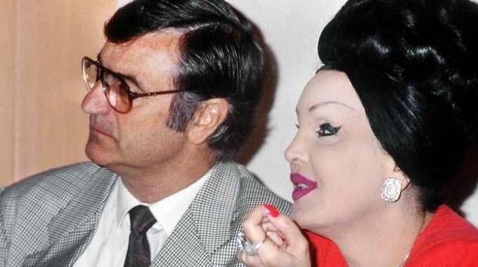 Walter Nones e Moira Orfei all'inizio degli anni '90 (Olycom)