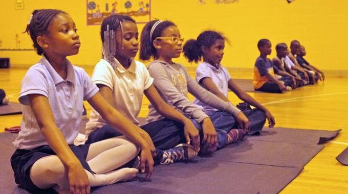 Risultati immagini per scuola bambini meditazione