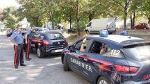 Il dispiegamento dei carabinieri in via dell'Aeronautica davanti al ristorante Chacarero