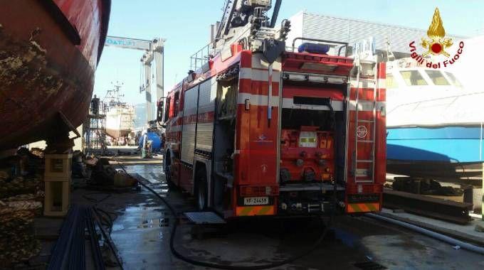 I vigili del fuoco nel cantiere