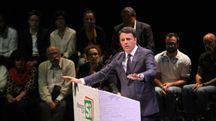 Renzi durante la serata (Umberto Visintini / New Press Photo)