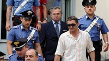 Salvatore Parolisi lascia il carcere militare (foto Ansa)