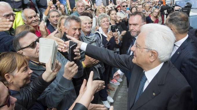 Il Presidente della Repubblica Sergio Mattarella lascia la Prefettura