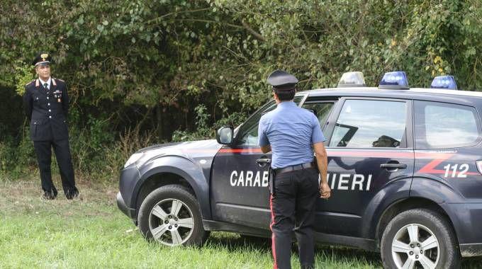 I carabinieri sul luogo del ritrovamento (Fotocronache Germogli)