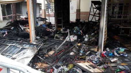 Il chiosco distrutto