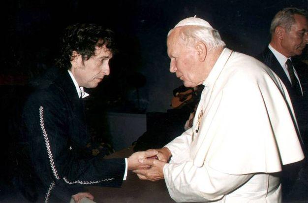 L'incontro con Papa Wojtyla nel 1997 (Olycom)