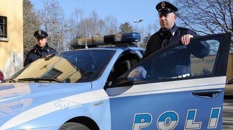 Sono intervenuti gli agenti del commissariato nella notte tra sabato e domenica