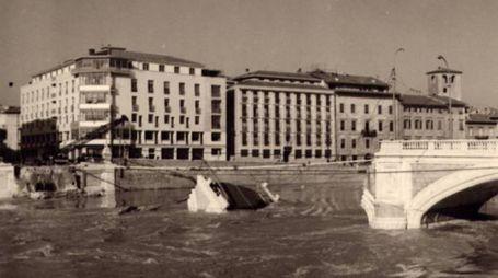 Il Ponte Solferino crollato