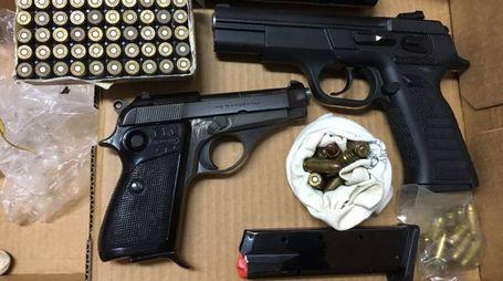 Le pistole sono state rinvenute dalla proprietaria della villetta (foto di repertorio)