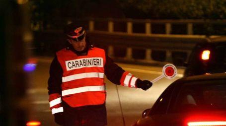 I carabinieri durante un servizio di controllo (Foto d'archivio National Press)