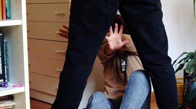La donna era violentata dal marito
