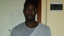 Julio Adjeitey, 23enne commesso allo Sport Service, con le ferite dopo l'incidente