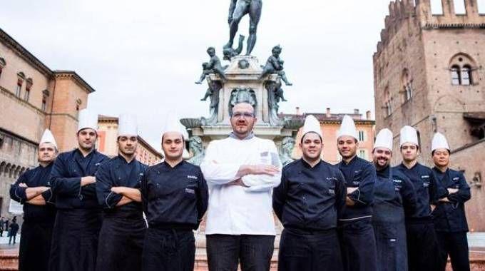 Al centro Agostino Iacobucci, chef de I Portici
