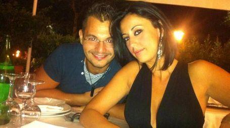 Valentina Milluzzo insieme al marito Francesco Castro in una foto da Facebook (Ansa)