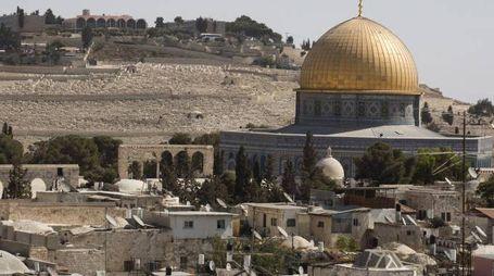 Gerusalemme, la cupola della Roccia nella zona del Monte del Tempio (Ansa)